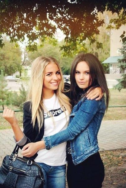 krasivie-devushki-podruzhki-foto