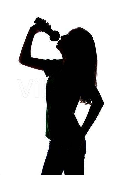 Картинка для Отгадай певицу по припеву