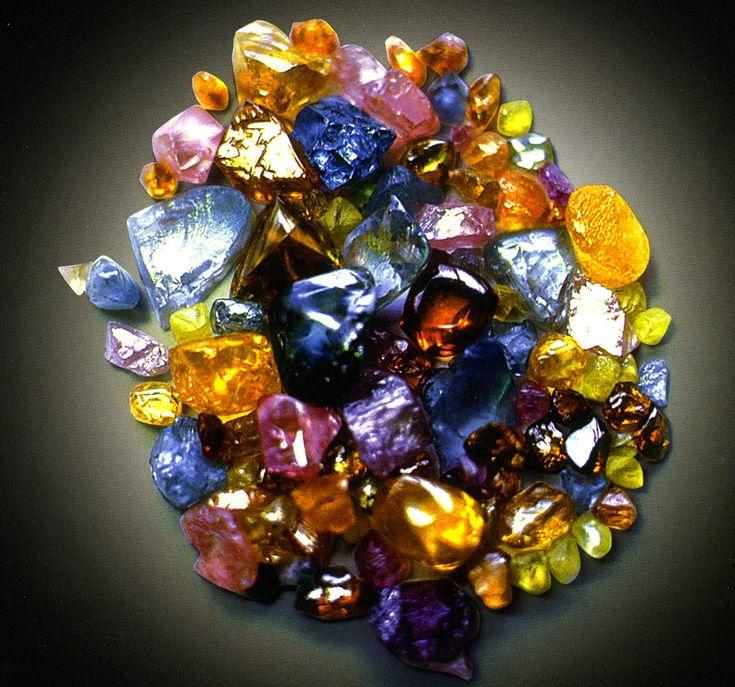 самоцветы камень фото когда-то
