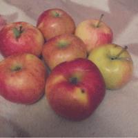 🍎Когда жизнь угощает...суёт яблоки в лицо,и ты не знаешь,что с ними делать...🍎