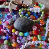 Камень Тимур в окружении подданных    любите и уважайте Тимура Великого
